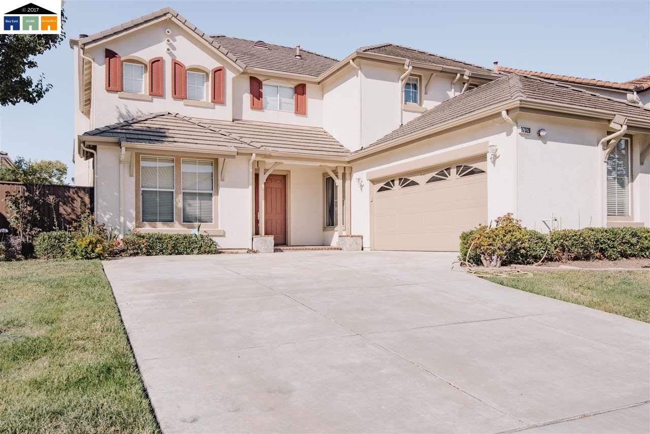 Single Family Home for Sale at 37328 Wedgewood Street Newark, California 94560 United States