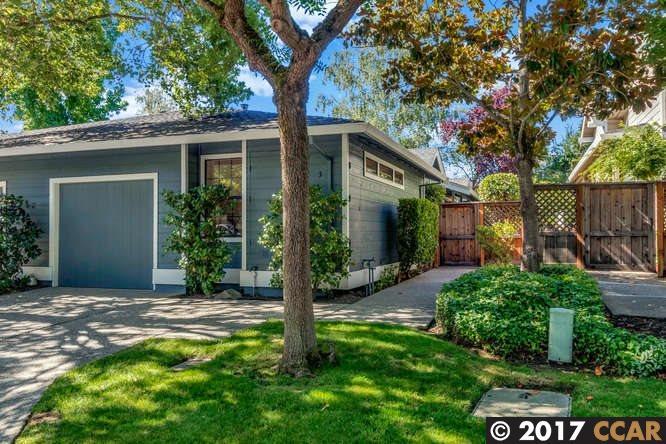 Maison accolée pour l Vente à 3 Josefa Place 3 Josefa Place Moraga, Californie 94556 États-Unis