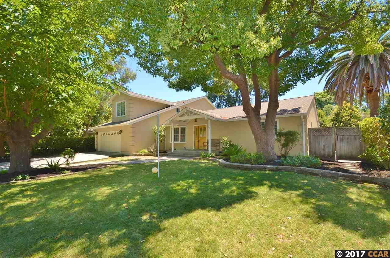 واحد منزل الأسرة للـ Sale في 59 BYRON DRIVE Pleasant Hill, California 94523 United States