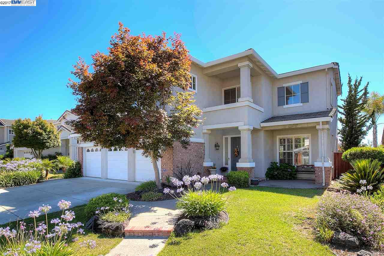 Single Family Home for Sale at 25179 Century Oaks Circle Castro Valley, California 94552 United States