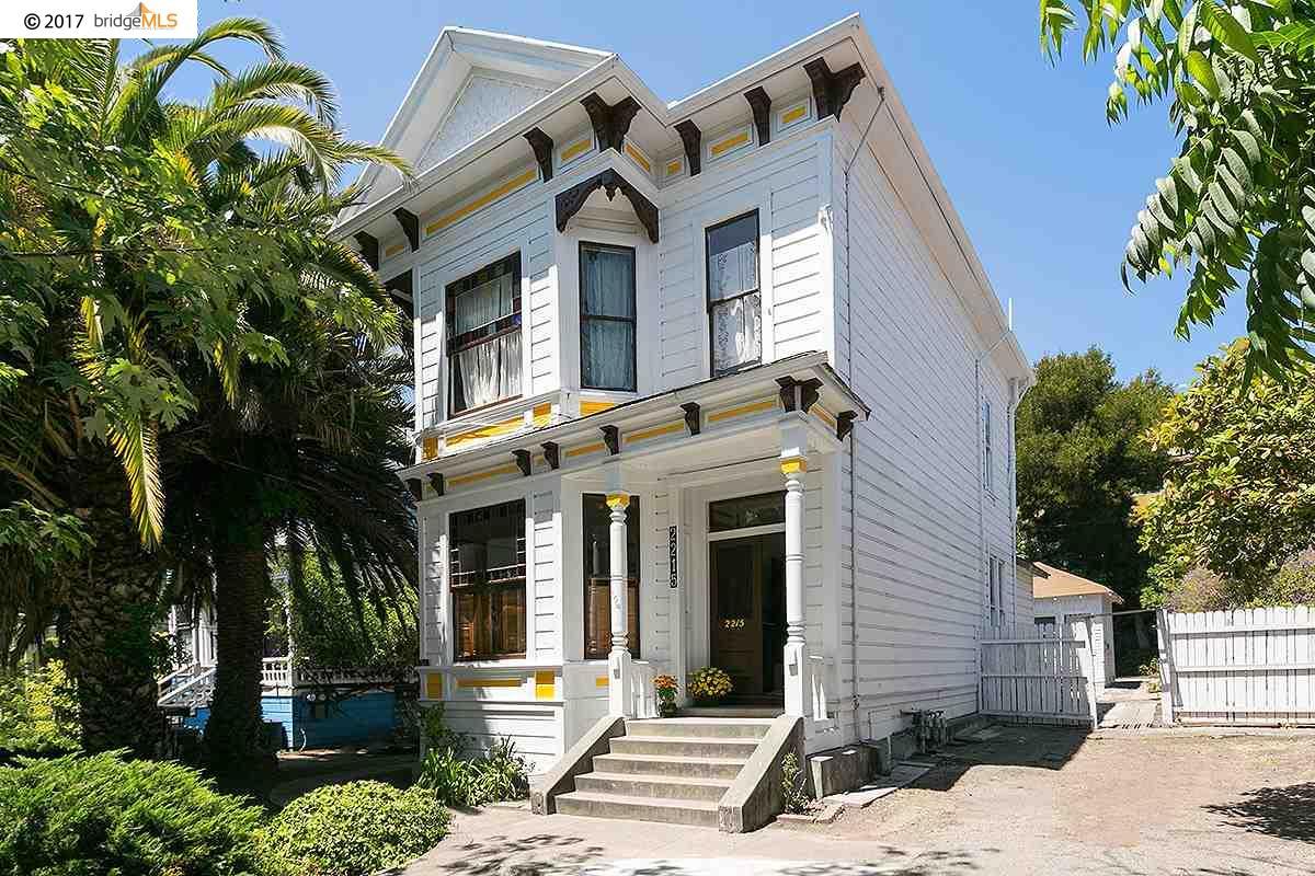2215 BLAKE STREET, BERKELEY, CA 94704