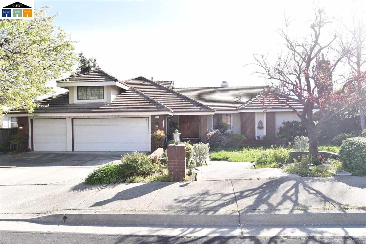 Частный односемейный дом для того Аренда на 8171 Brittany Drive Dublin, Калифорния 94568 Соединенные Штаты