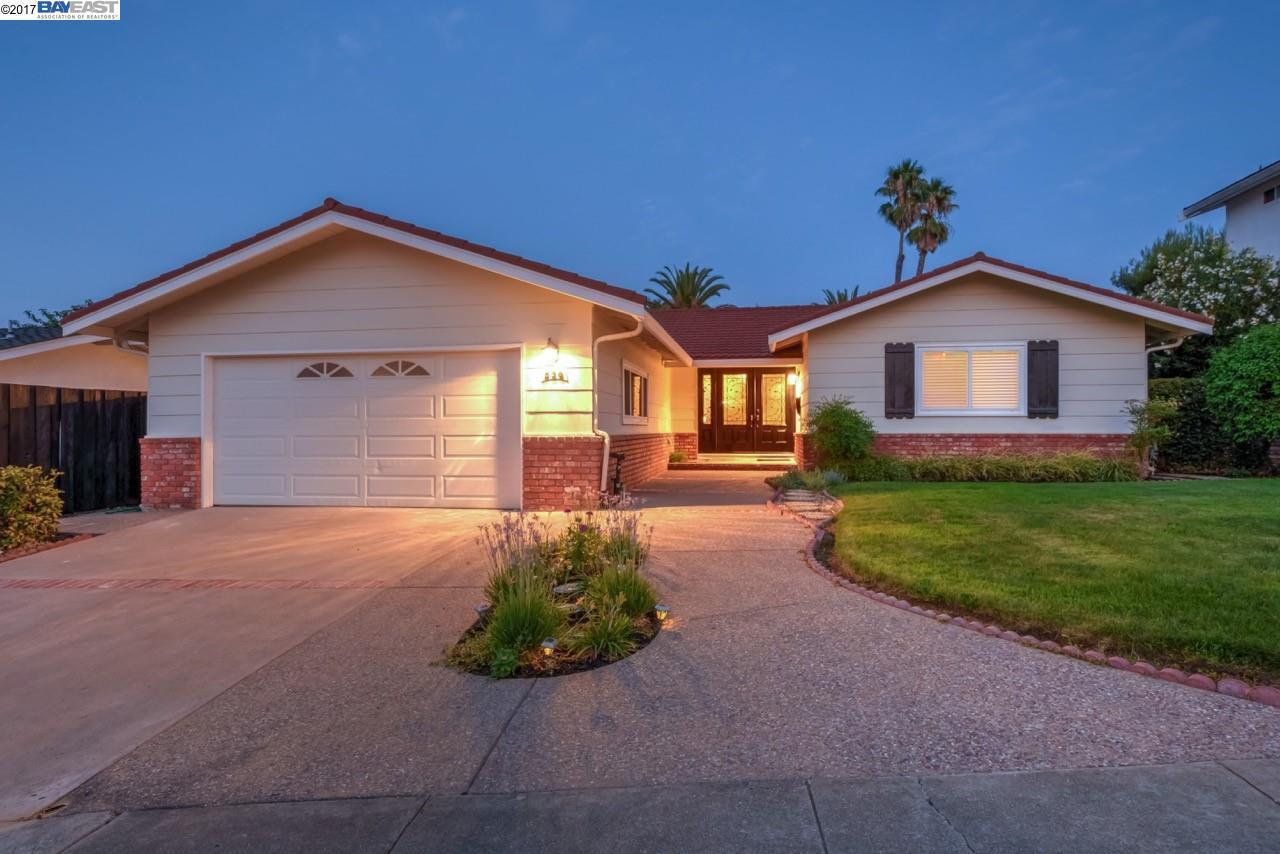 Maison unifamiliale pour l à louer à 536 Gerard Court Pleasanton, Californie 94566 États-Unis
