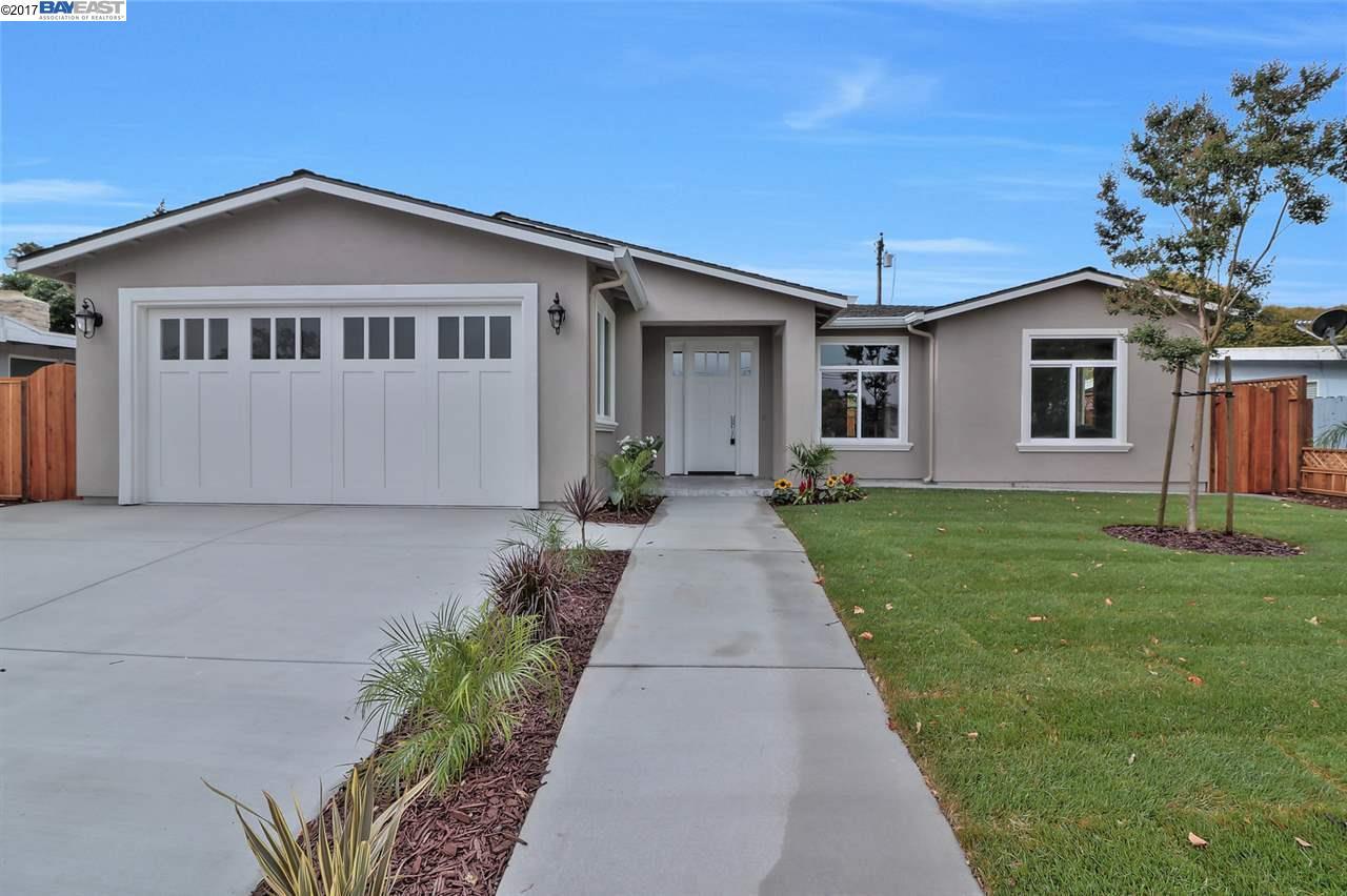 Maison unifamiliale pour l Vente à 2344 Cabrillo Avenue 2344 Cabrillo Avenue Santa Clara, Californie 95050 États-Unis