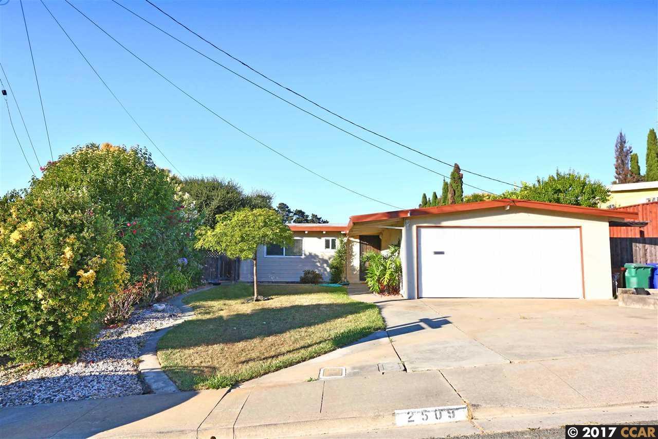 Casa Unifamiliar por un Venta en 2509 Lynn Drive Pinole, California 94564 Estados Unidos