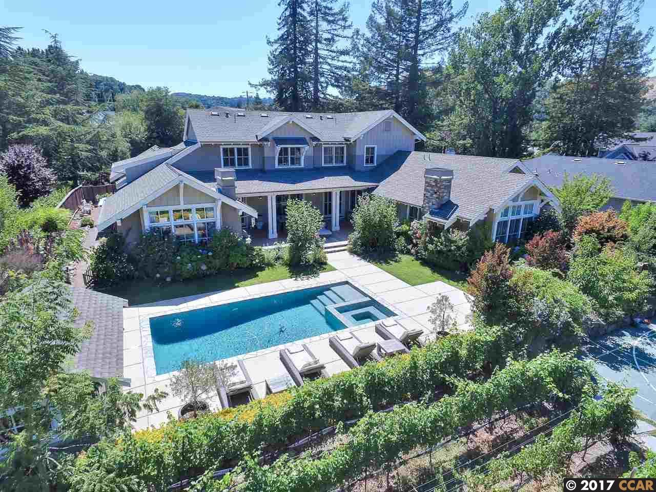 Частный односемейный дом для того Продажа на 1057 Camino Pablo Moraga, Калифорния 94556 Соединенные Штаты