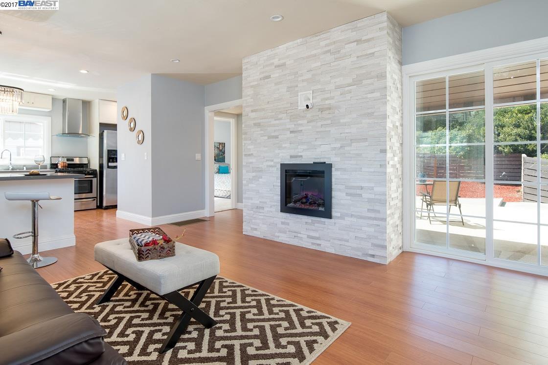 Mehrfamilienhaus für Verkauf beim 2817 99Th Avenue 2817 99Th Avenue Oakland, Kalifornien 94605 Vereinigte Staaten
