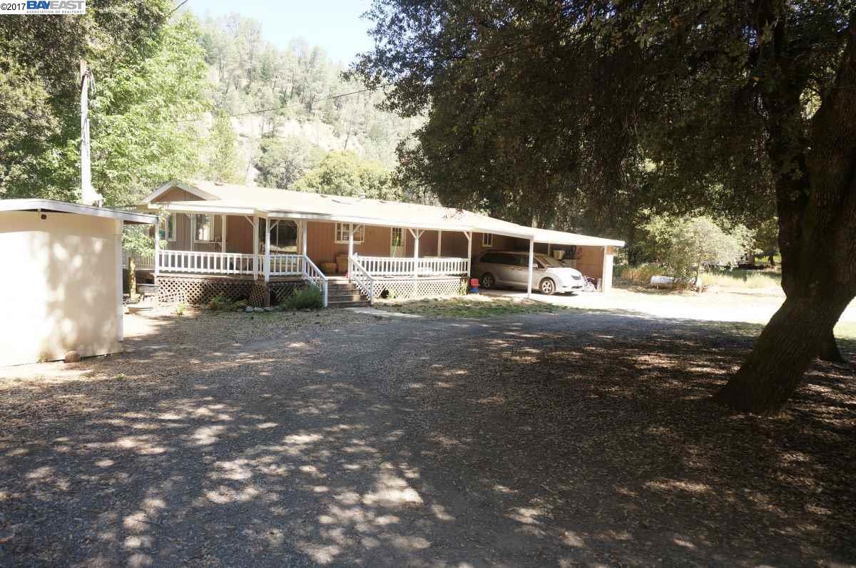 واحد منزل الأسرة للـ Sale في 75&100 Denney Lane 75&100 Denney Lane Lewiston, California 96052 United States