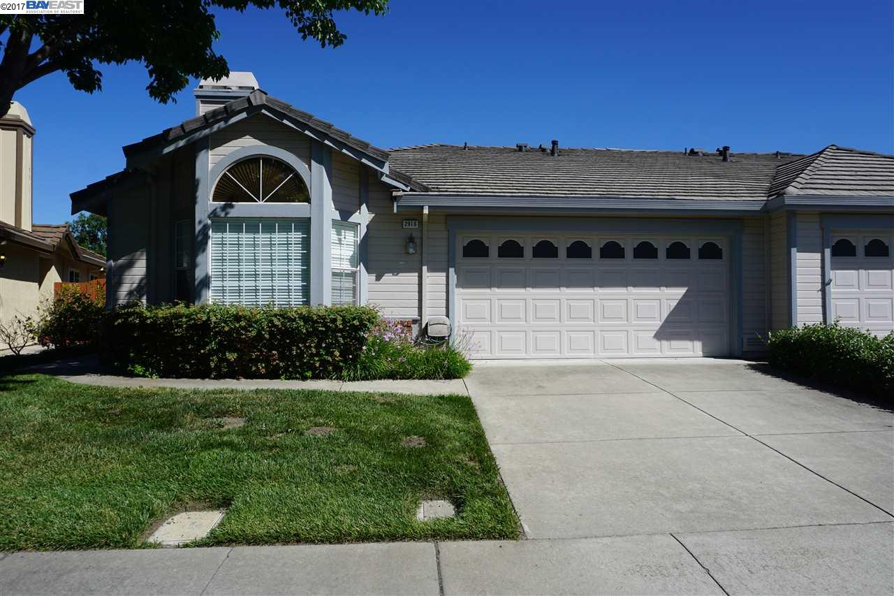 Maison unifamiliale pour l à louer à 2916 Garden Creek Circle Pleasanton, Californie 94588 États-Unis