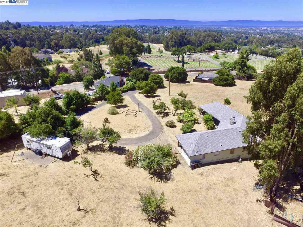 土地 為 出售 在 24694 Fairview Avenue 24694 Fairview Avenue Hayward, 加利福尼亞州 94542 美國
