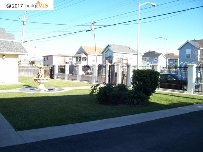 Comercial por un Venta en 363 105Th Avenue Oakland, California 94603 Estados Unidos