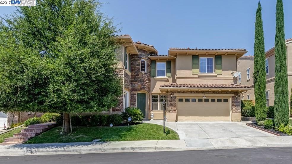 Casa Unifamiliar por un Venta en 5516 Eaglebrook Ter Dublin, California 94568 Estados Unidos