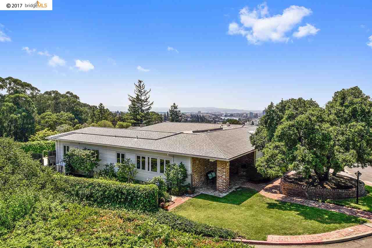 Частный односемейный дом для того Продажа на 40 Wildwood Gdns Piedmont, Калифорния 94611 Соединенные Штаты