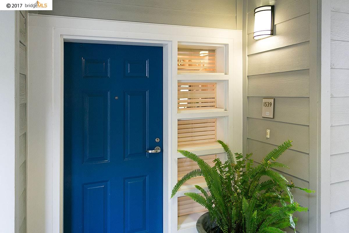 Eigentumswohnung für Verkauf beim 1539 BRUNSWIG LANE Emeryville, Kalifornien 94608 Vereinigte Staaten