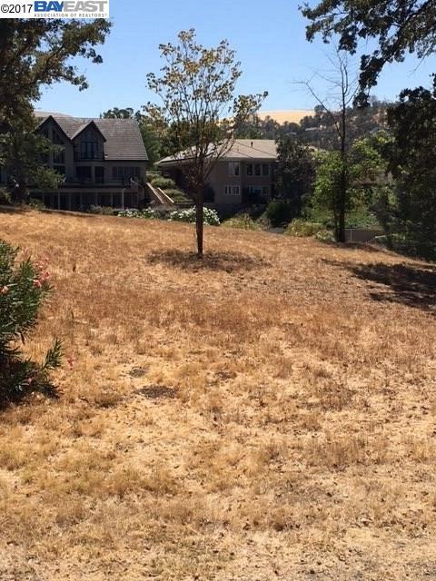 Terrain pour l Vente à 27 Sanguinetti Court Copperopolis, Californie 95228 États-Unis