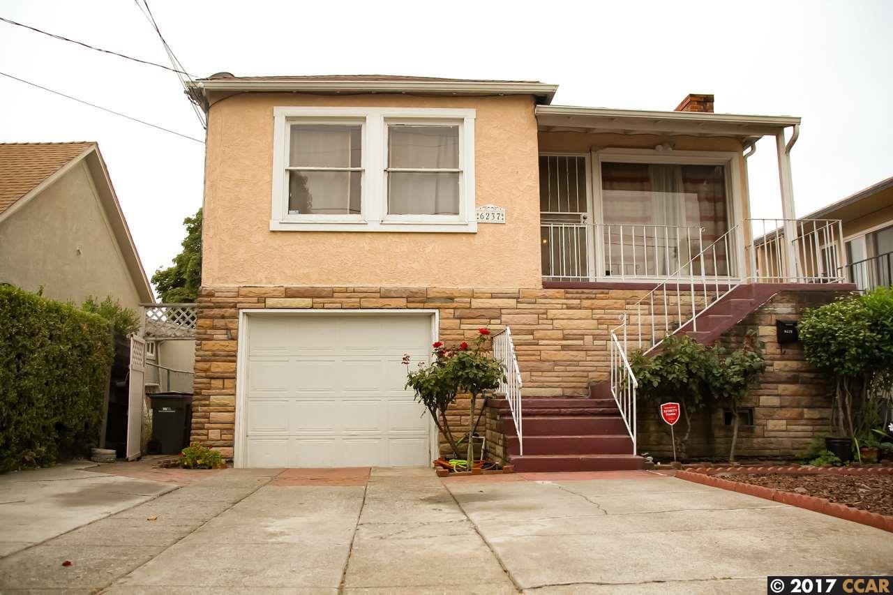 Частный односемейный дом для того Продажа на 6237 Hayes Street 6237 Hayes Street Oakland, Калифорния 94621 Соединенные Штаты