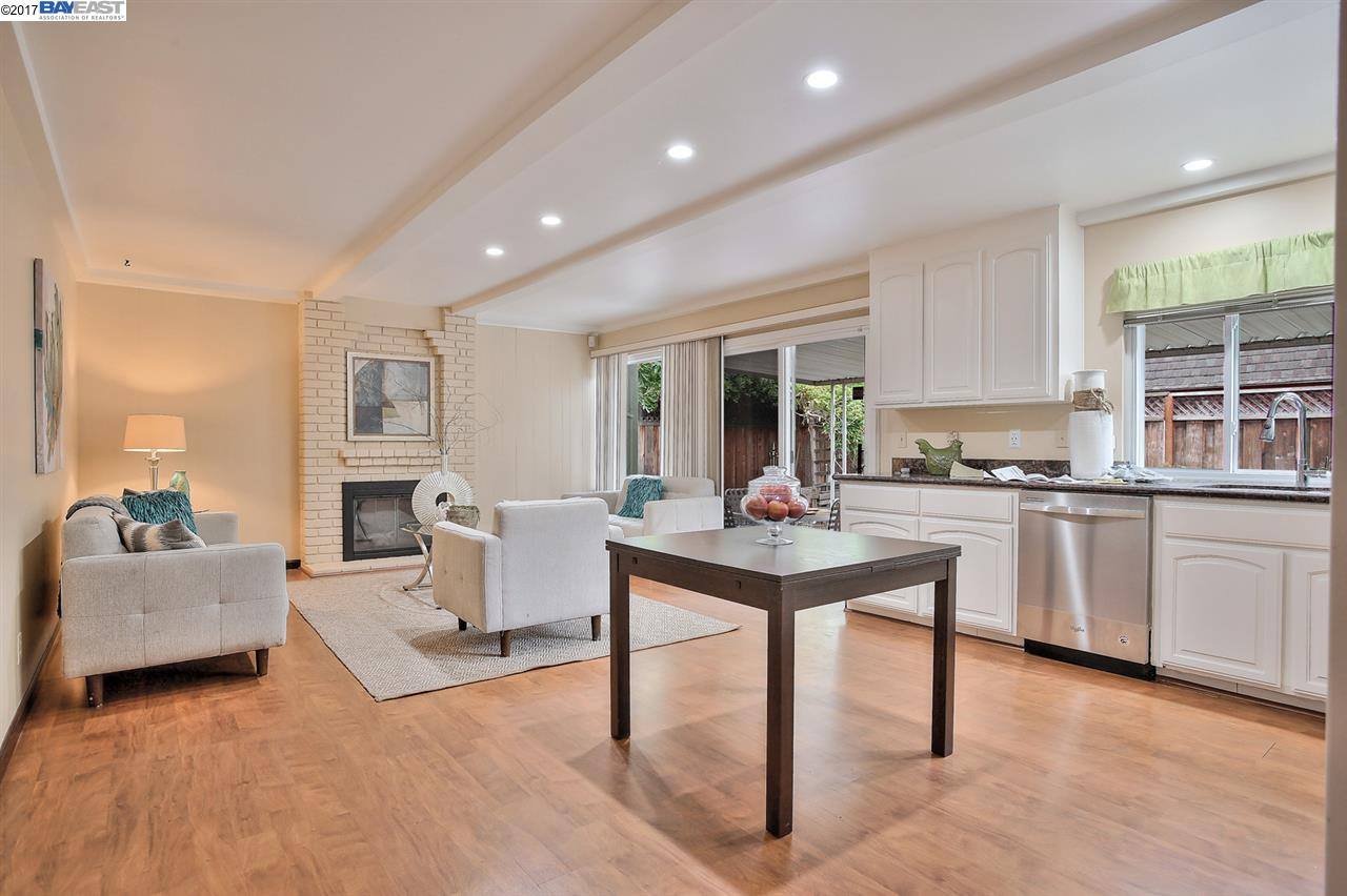 Additional photo for property listing at 5350 Stirling Court  Newark, カリフォルニア 94560 アメリカ合衆国