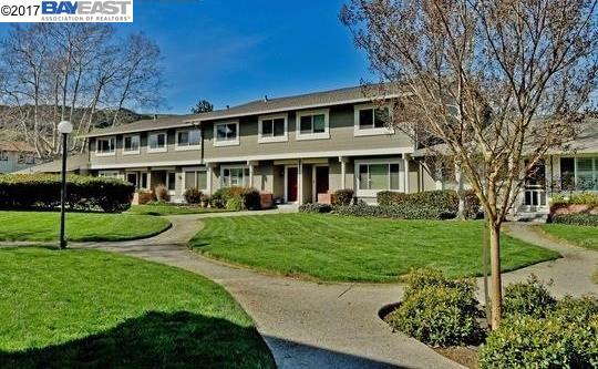 Townhouse for Sale at 1468 Greenlawn Drive Danville, California 94526 United States