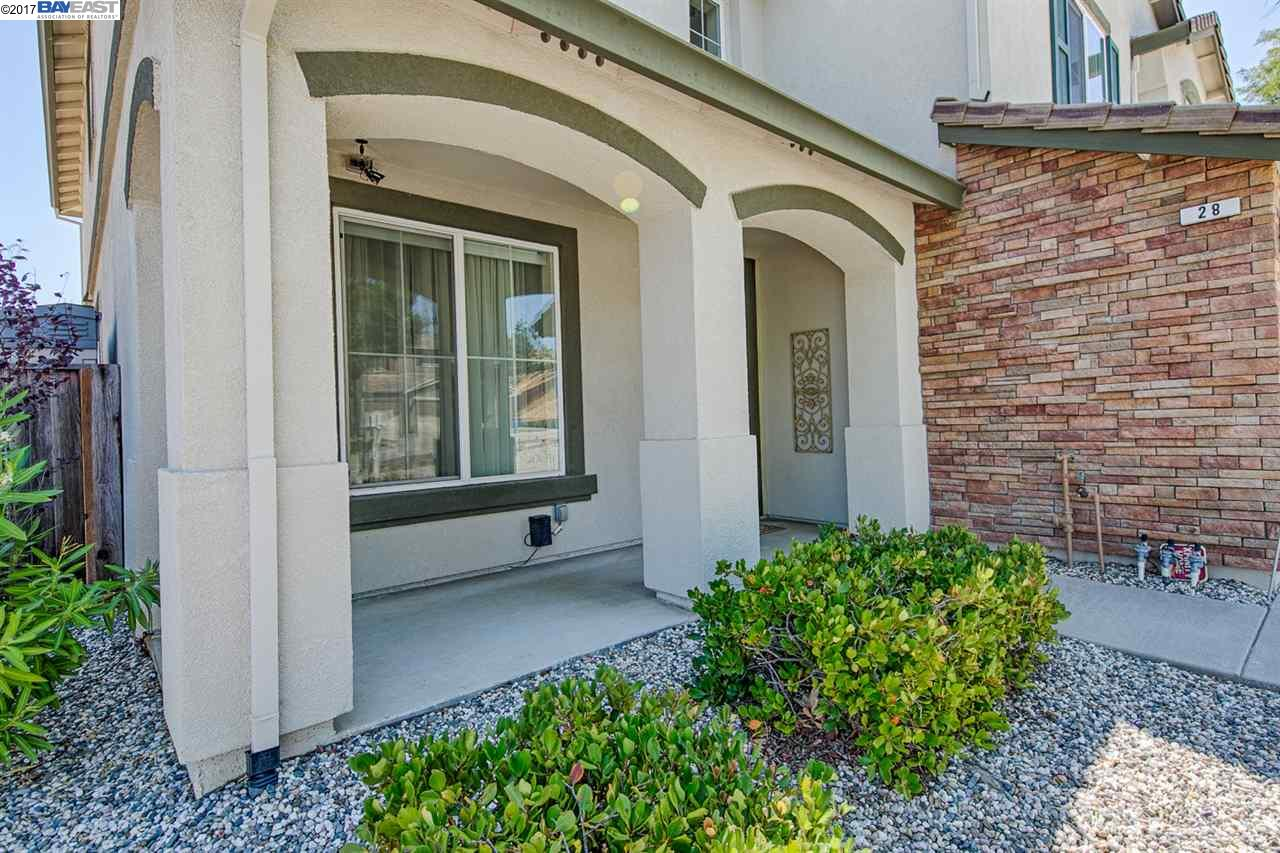 Additional photo for property listing at 28 Santa Teresa Court  Pittsburg, カリフォルニア 94565 アメリカ合衆国