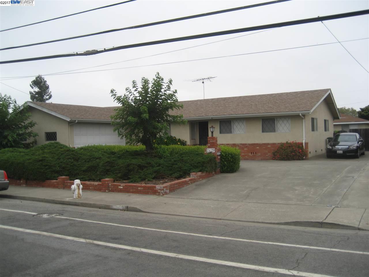多戶家庭房屋 為 出售 在 2431 Fairway San Leandro, 加利福尼亞州 95667 美國