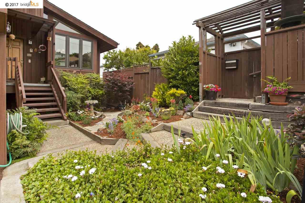 Maison unifamiliale pour l Vente à 136 Windsor Avenue Kensington, Californie 94708 États-Unis