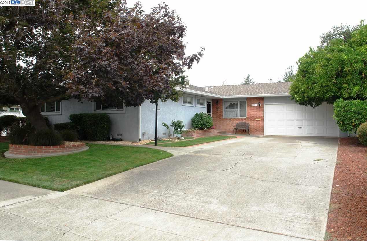 一戸建て のために 売買 アット 427 School Street 427 School Street Fremont, カリフォルニア 94536 アメリカ合衆国