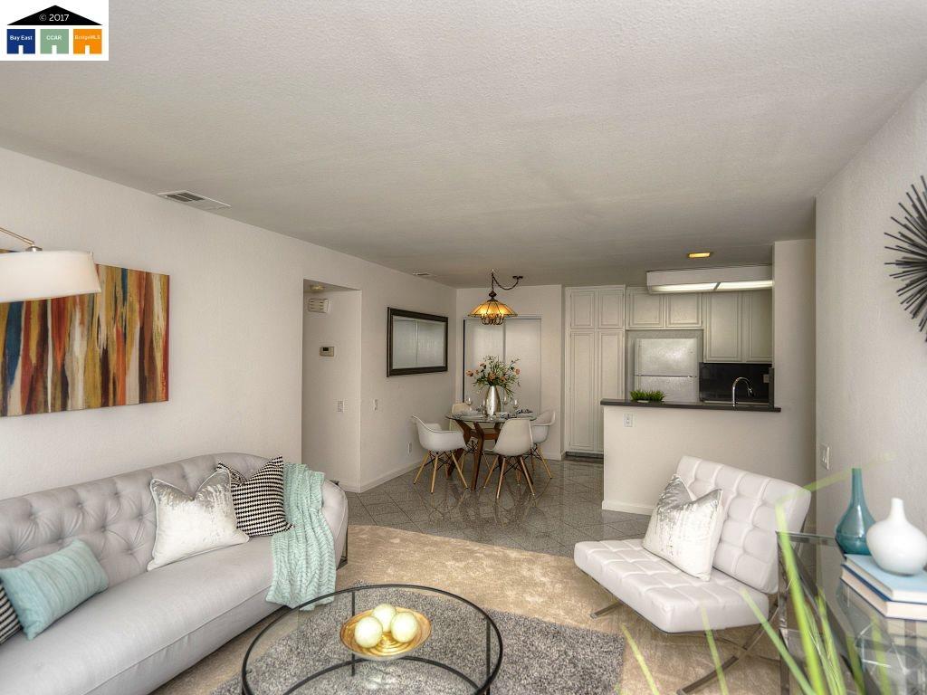 Appartement en copropriété pour l Vente à 190 Hackamore Cmn Fremont, Californie 94539 États-Unis
