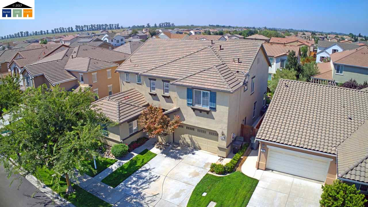Single Family Home for Sale at 550 Mustang Court Oakdale, California 95361 United States