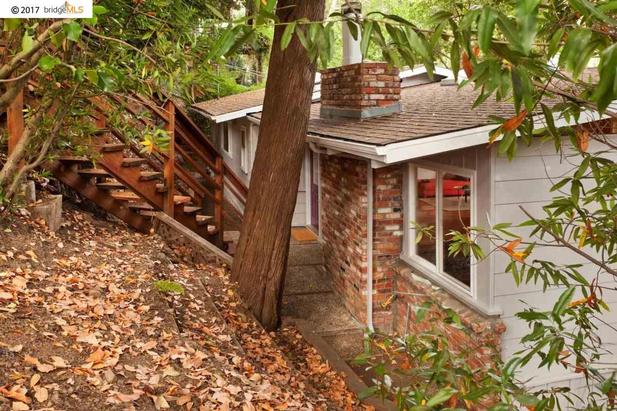 Einfamilienhaus für Verkauf beim 2221 Pelham Place Oakland, Kalifornien 94611 Vereinigte Staaten