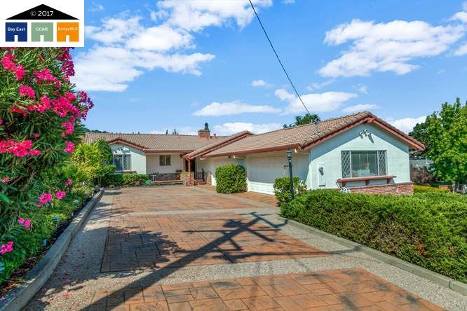 Casa Unifamiliar por un Venta en 6 Rolph Park Court Crockett, California 94525 Estados Unidos