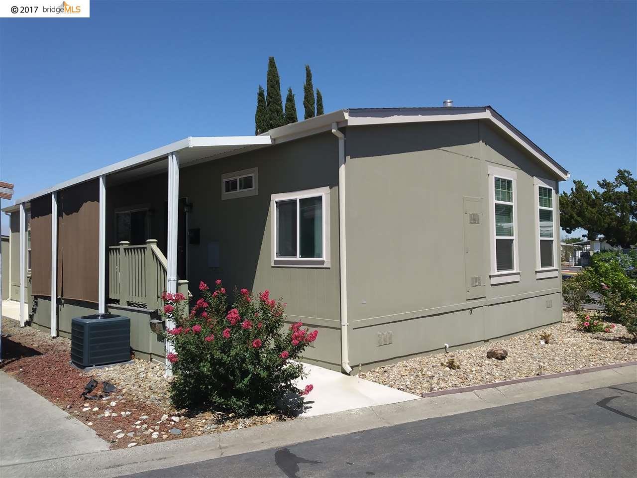 Casa Unifamiliar por un Venta en 207 Lemon Tree Circle Vacaville, California 95687 Estados Unidos