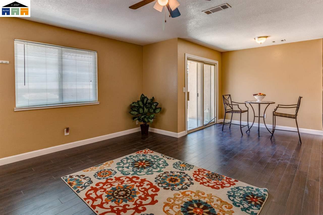 Additional photo for property listing at 1303 Spruce Lane 1303 Spruce Lane Manteca, Californie 95336 États-Unis