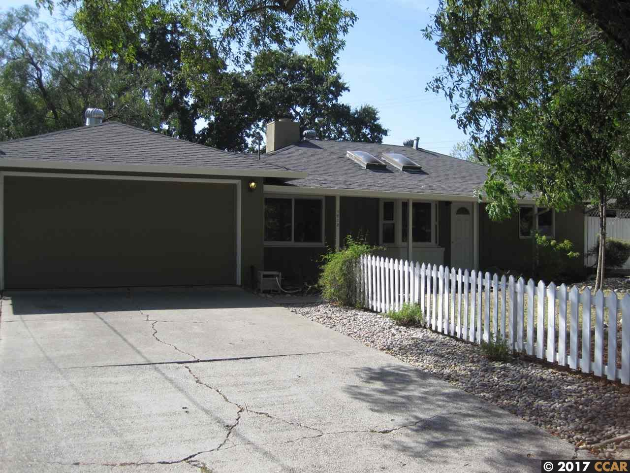 Casa Unifamiliar por un Alquiler en 1612 Mary Drive Pleasant Hill, California 94523 Estados Unidos