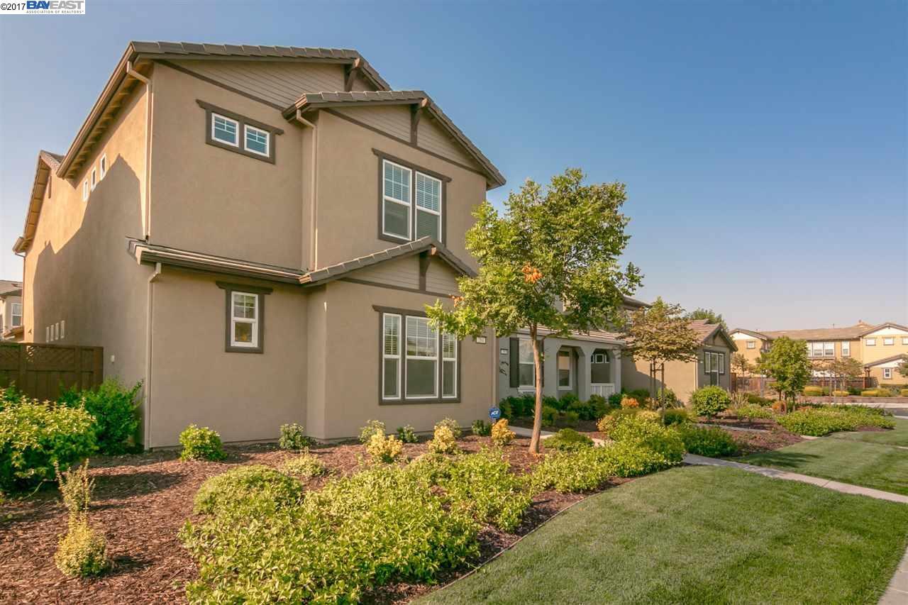 واحد منزل الأسرة للـ Sale في 284 W Moraga Street Mountain House, California 95391 United States