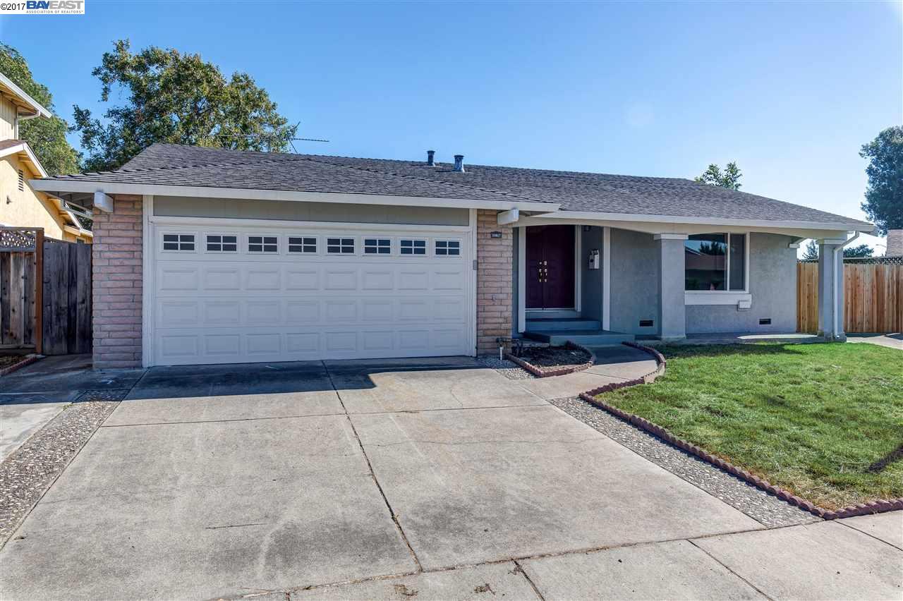 Maison unifamiliale pour l Vente à 35817 Augustine Place Fremont, Californie 94536 États-Unis