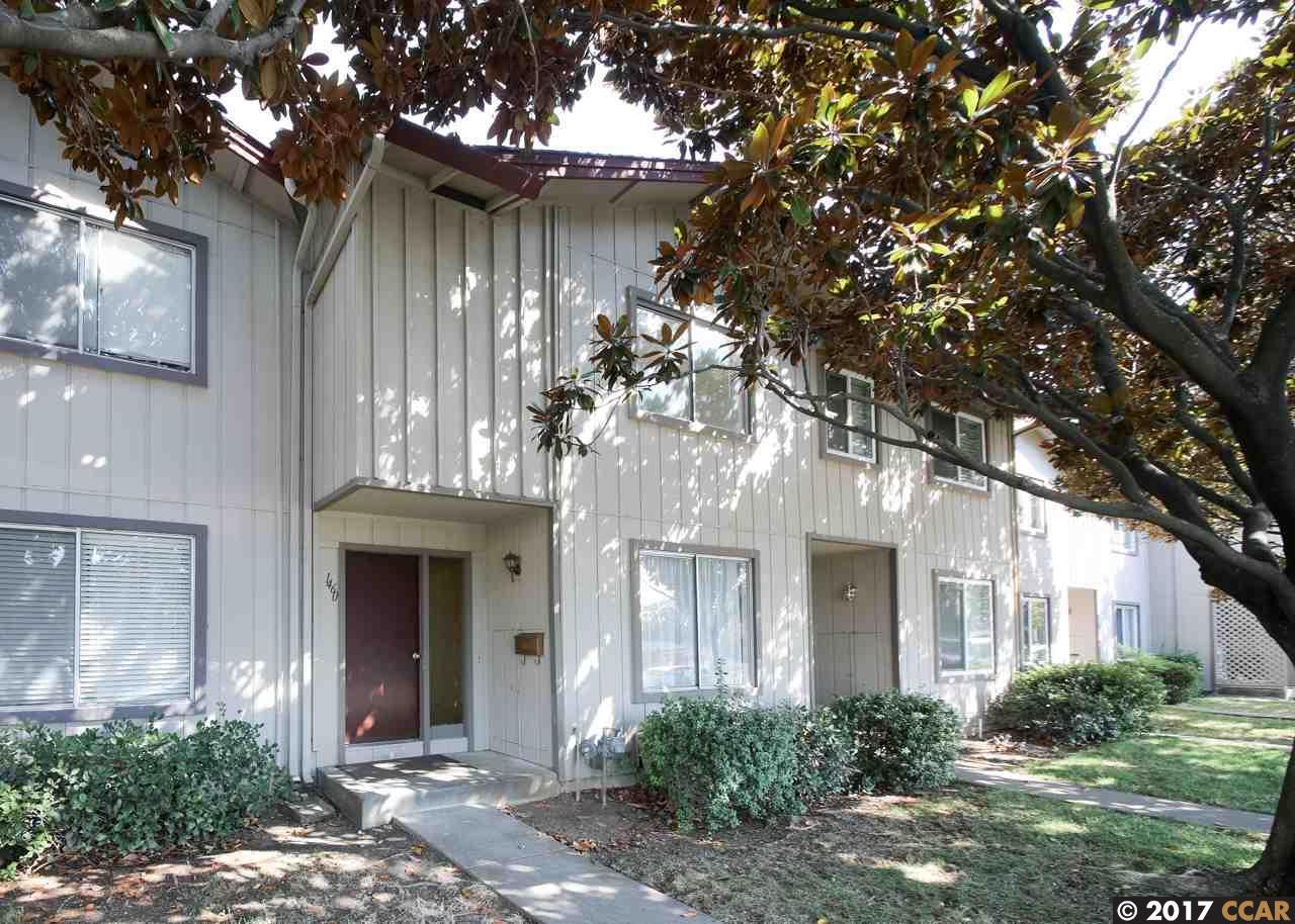 Maison accolée pour l Vente à 1460 Newhall Pkwy Concord, Californie 94521 États-Unis