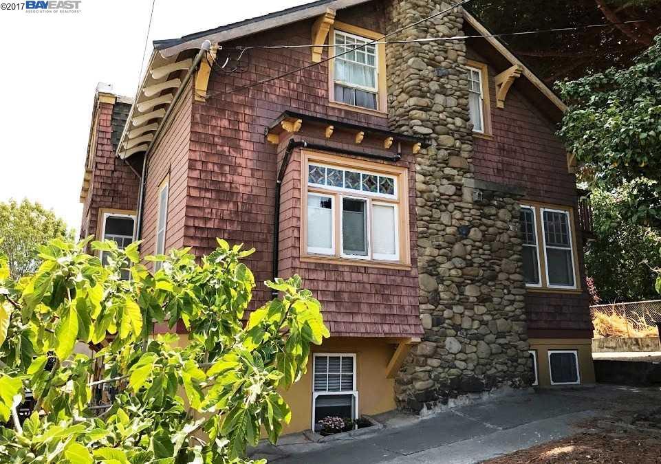 Casa Multifamiliar por un Venta en 1306 S 56th Richmond, California 94804 Estados Unidos