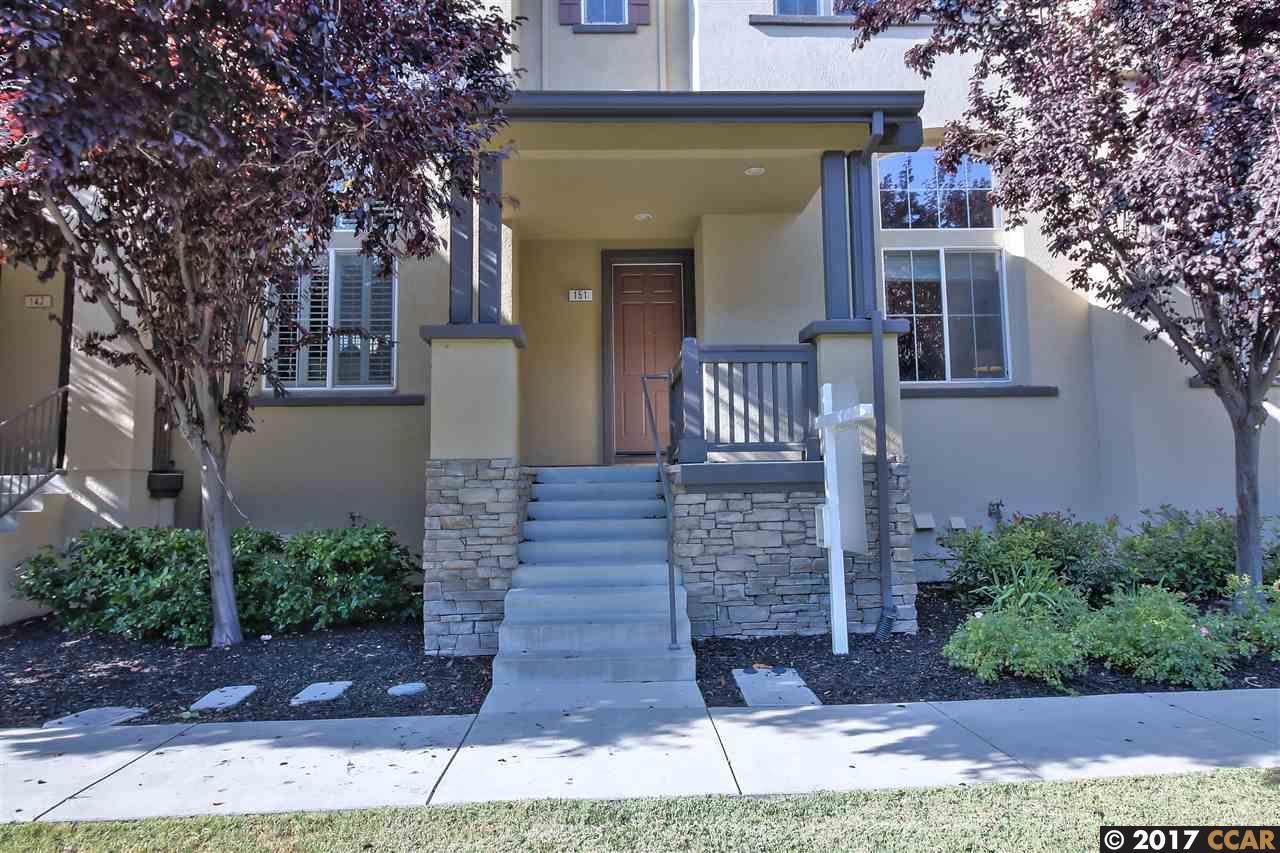 Casa unifamiliar adosada (Townhouse) por un Venta en 151 Landsdowne Loop San Ramon, California 94582 Estados Unidos
