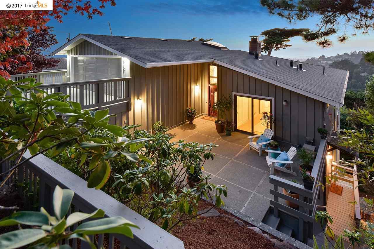 Einfamilienhaus für Verkauf beim 6157 Chelton Drive Oakland, Kalifornien 94611 Vereinigte Staaten
