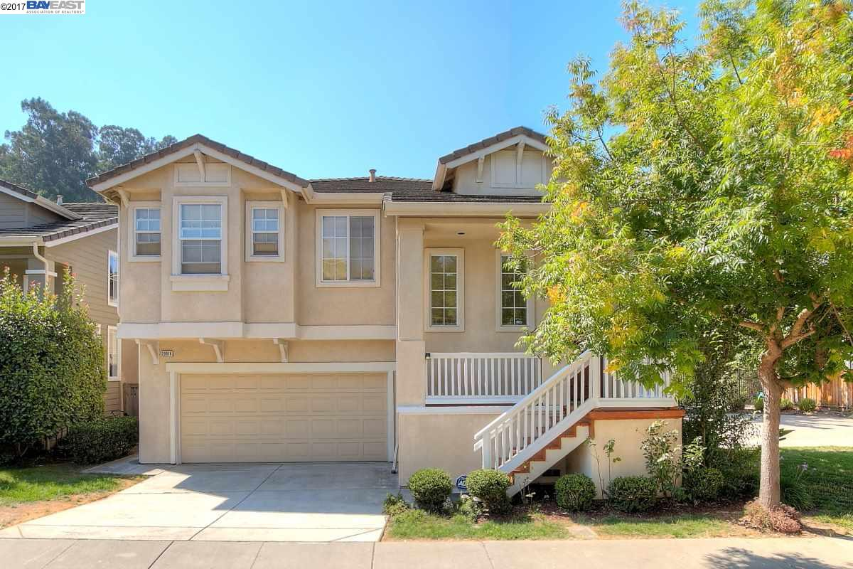 Single Family Home for Sale at 20018 Shadow Creek Circle 20018 Shadow Creek Circle Castro Valley, California 94552 United States