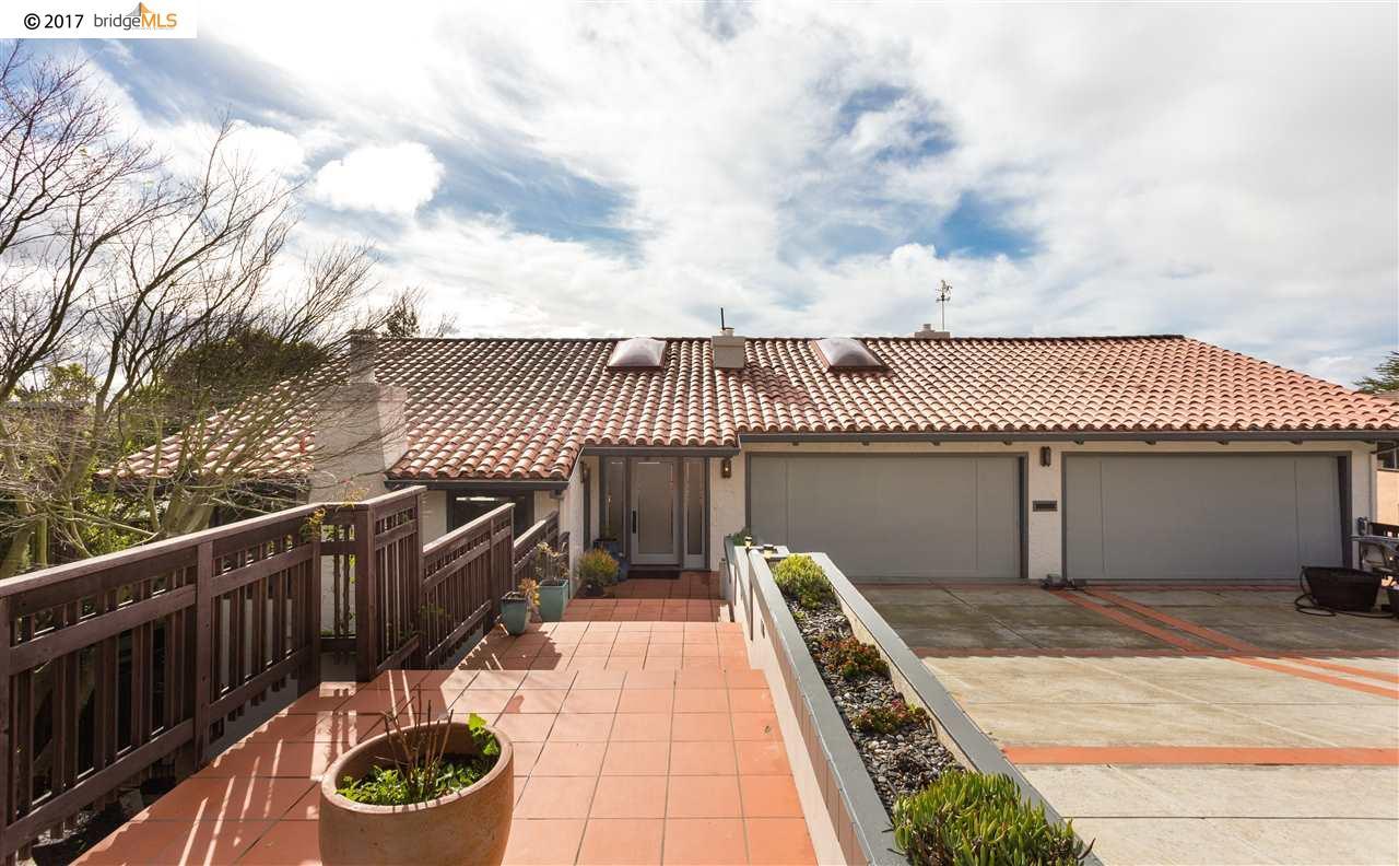 獨棟家庭住宅 為 出售 在 1127 Contra Costa Drive El Cerrito, 加利福尼亞州 94530 美國