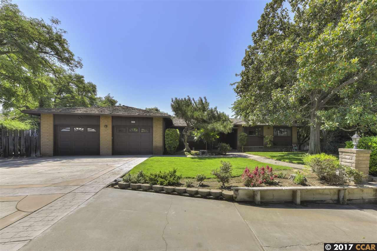 Single Family Home for Sale at 2951 Saddle Drive 2951 Saddle Drive Oakley, California 94561 United States
