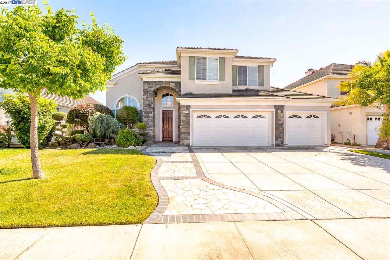 Частный односемейный дом для того Продажа на 33763 Heritage Way Union City, Калифорния 94587 Соединенные Штаты