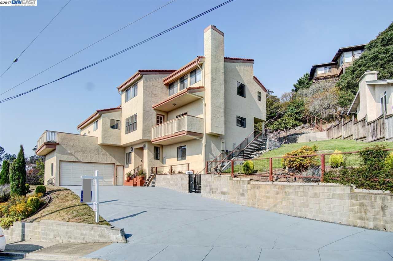واحد منزل الأسرة للـ Sale في 1428 DEVONSHIRE Drive 1428 DEVONSHIRE Drive El Cerrito, California 94530 United States