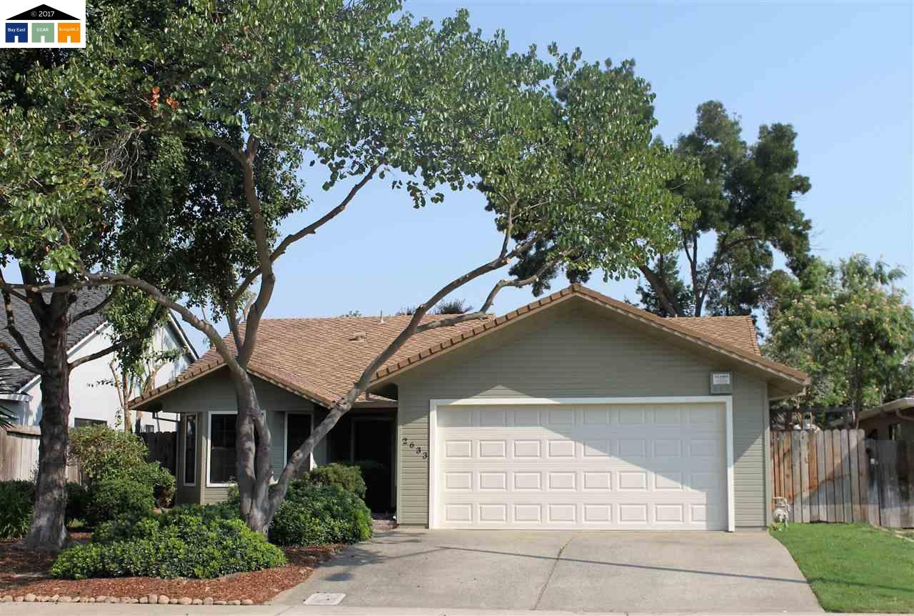 واحد منزل الأسرة للـ Sale في 2633 Alder Glen 2633 Alder Glen Lodi, California 95242 United States