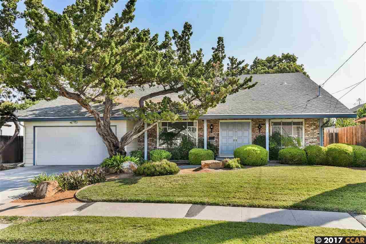 Maison unifamiliale pour l Vente à 954 Getoun Concord, Californie 94518 États-Unis