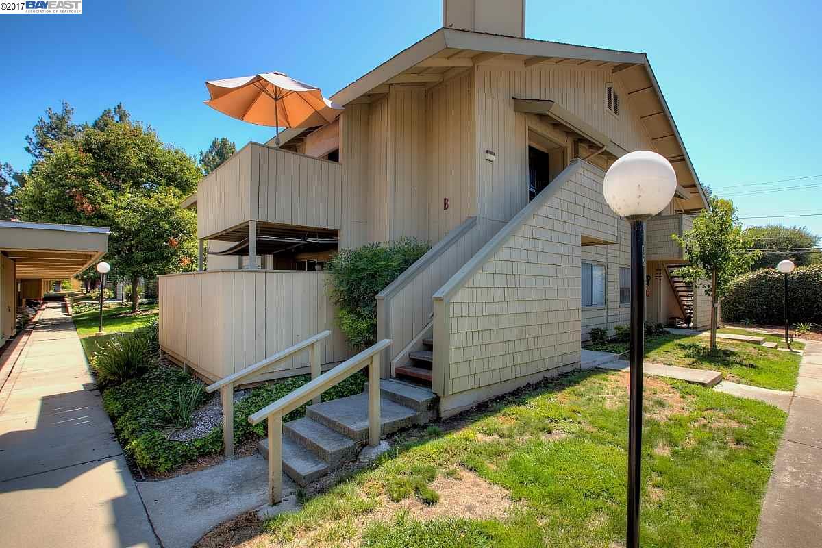 Appartement en copropriété pour l Vente à 46906 Fernald Cmn Fremont, Californie 94539 États-Unis