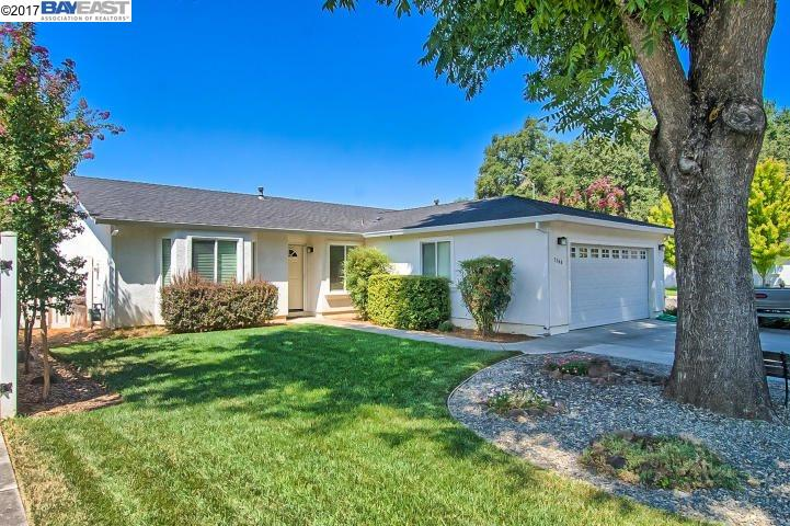 Single Family Home for Sale at 3368 Southwood Anderson, California 96007 United States