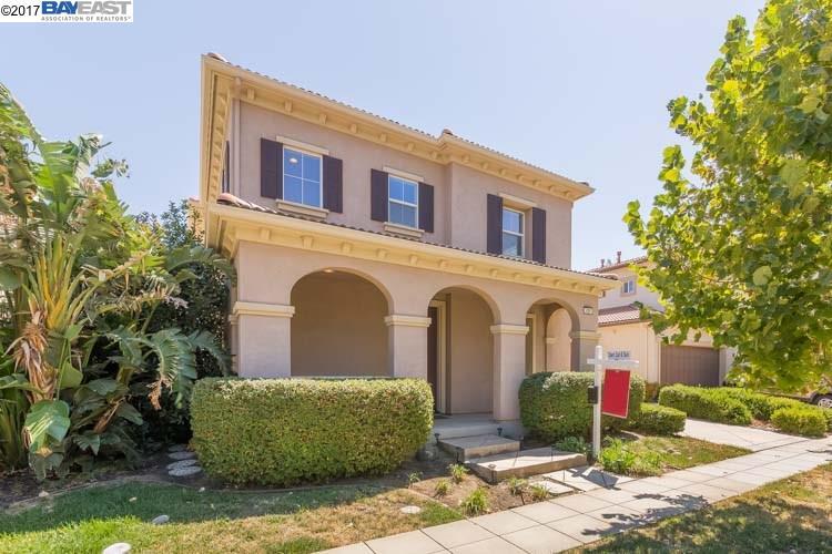 Casa Unifamiliar por un Venta en 430 S Paraiso Way Mountain House, California 95391 Estados Unidos