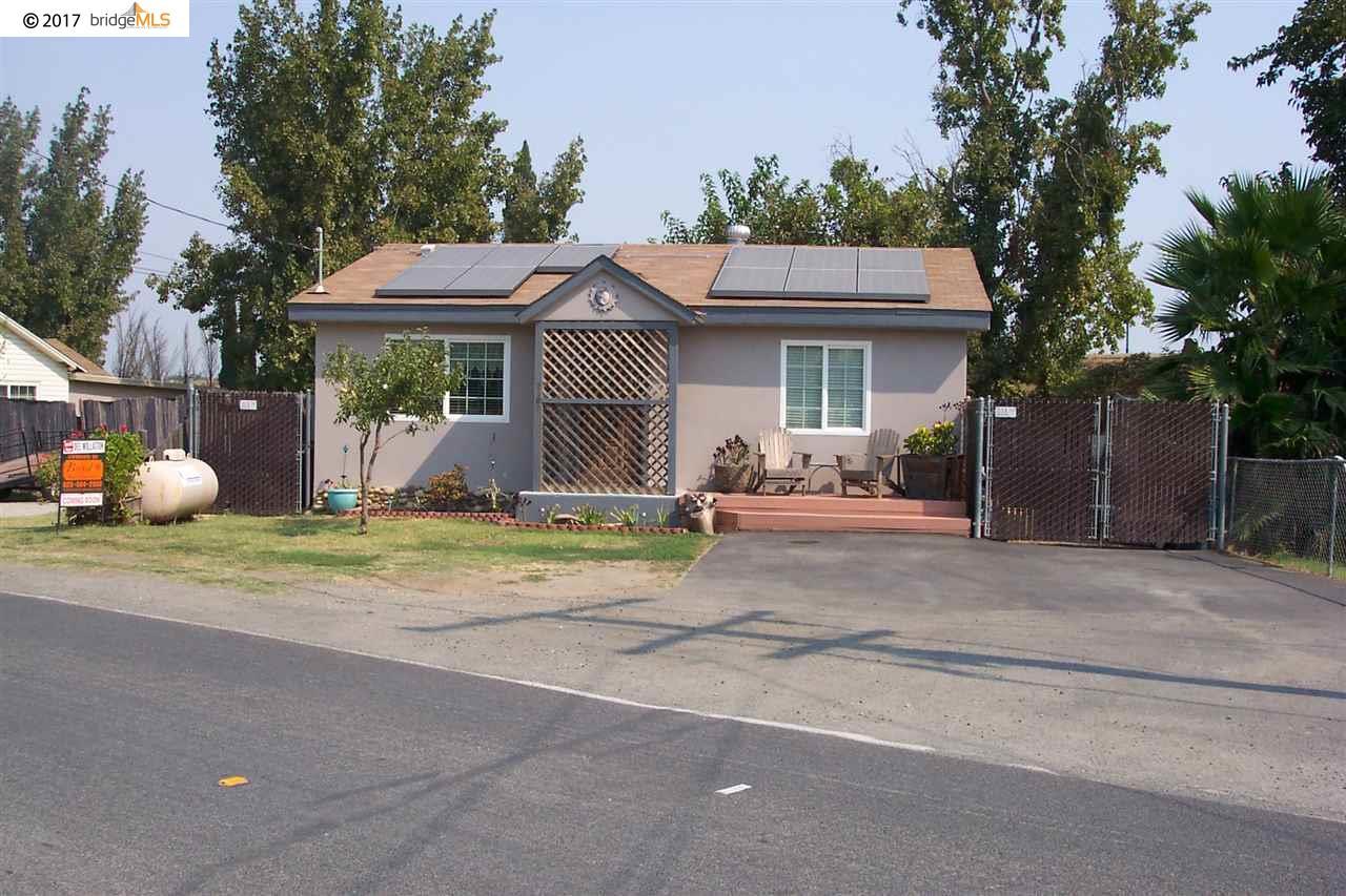 واحد منزل الأسرة للـ Sale في 3167 Stone Road 3167 Stone Road Bethel Island, California 94511 United States